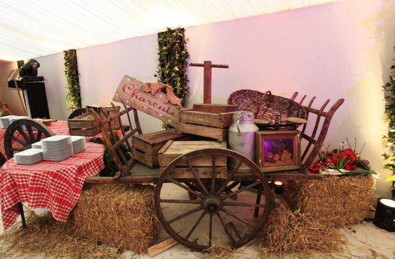 soir es garden party par preference events. Black Bedroom Furniture Sets. Home Design Ideas